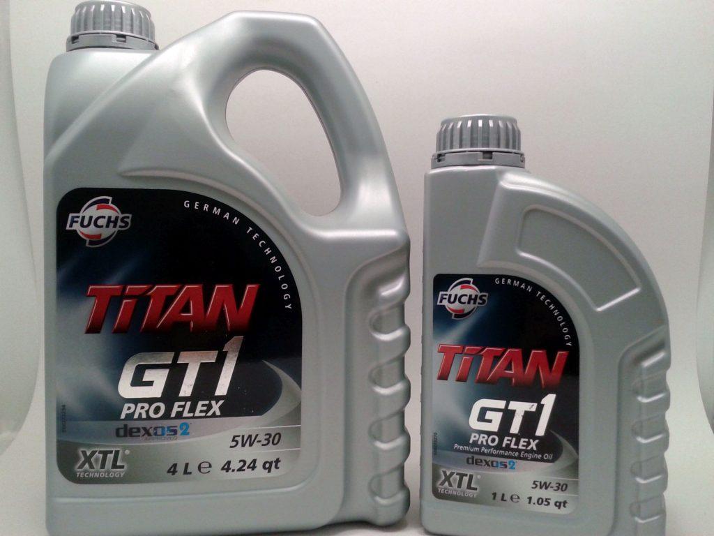 Tại Tân Hoàn Cầu có bán cả 2 kích cỡ bình 1L và 4L Dầu nhớt Fuchs Titan GT1 ProFlex 5W30