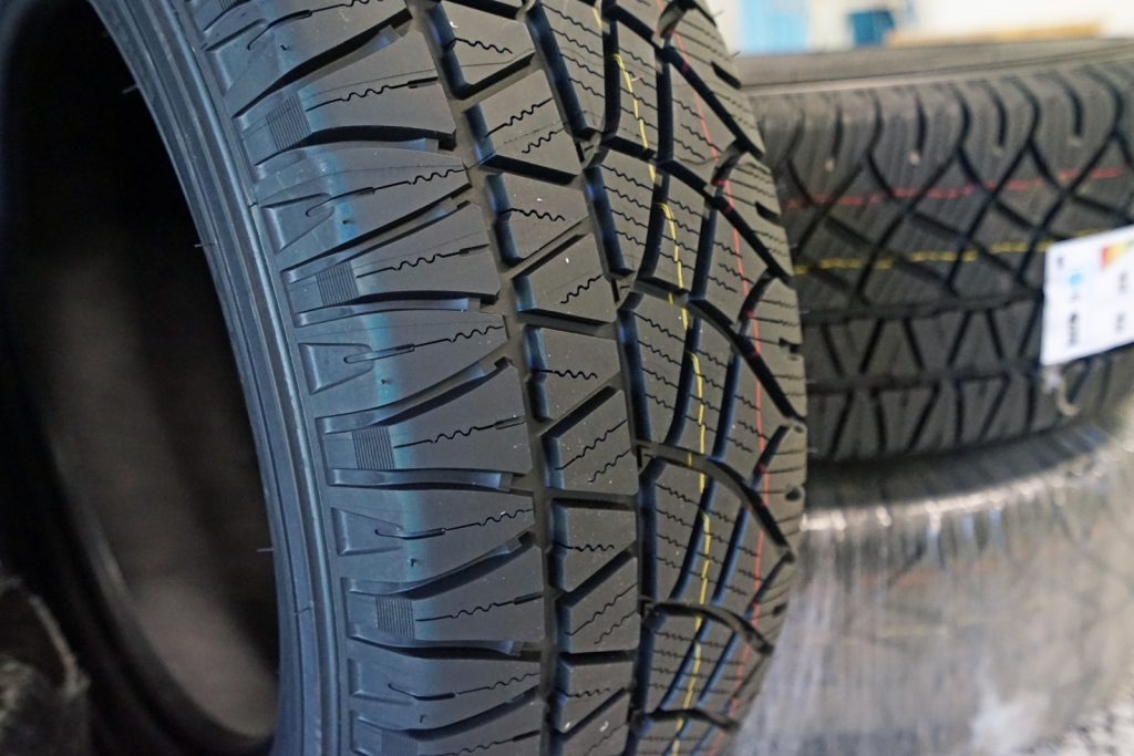 Mặt gai MICHELIN LATITUDE CROSS
