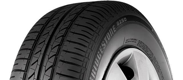 Cận cảnh mặt gai lốp Bridgestone B250