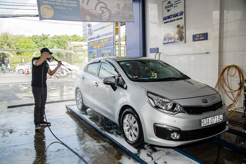 dịch vụ rửa xe ô tô