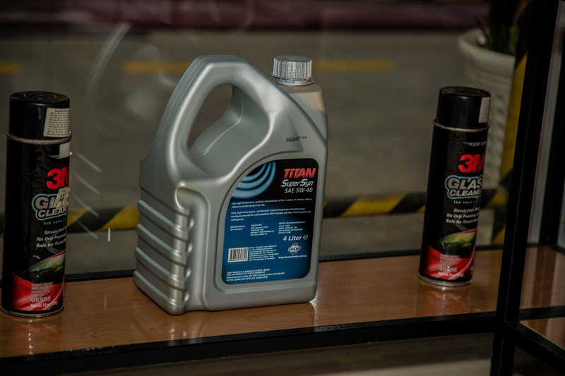 dịch vụ thay dầu nhớt ô tô