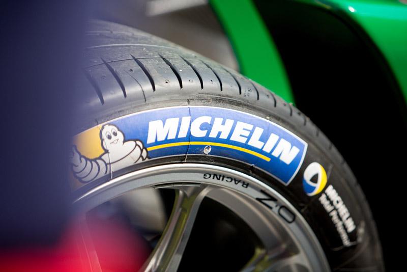 lốp xe ô tô hãng nào tốt nhất Michelin