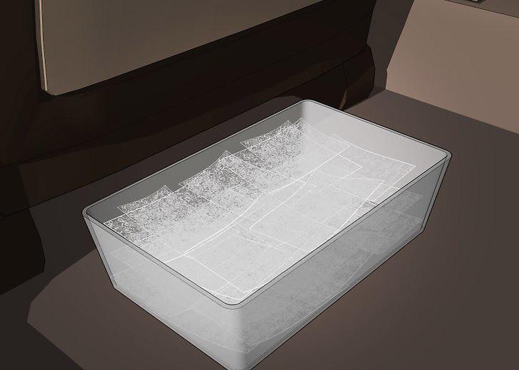 Đặc một hộp giấy sấy quần áo trong xe hơi