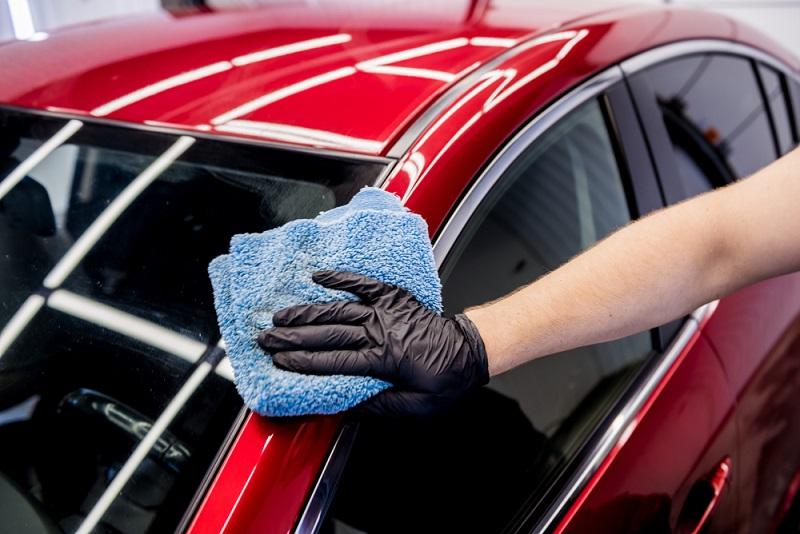 phủ ceramic dễ dàng làm sạch xe ô tô